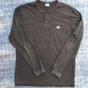 DC long sleeve charcoal T-shirt, two buttons, L